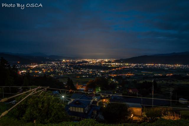 姨捨駅から観る夜景 (長野県)